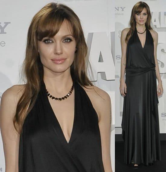 Angelina Jolie attends the German premiere of 'Salt' (Wer ist Salt)