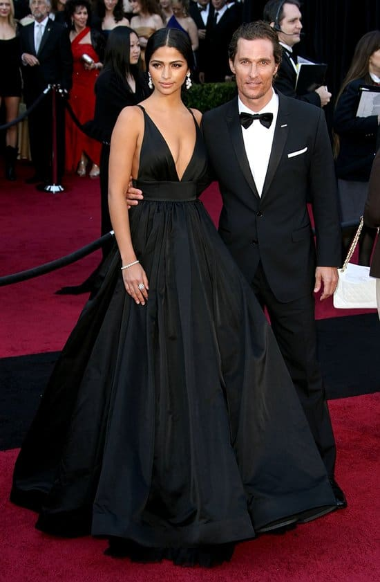 Model Camila Alves and actor Matthew McConaughey arrive at the 83rd Annual Academy Awards