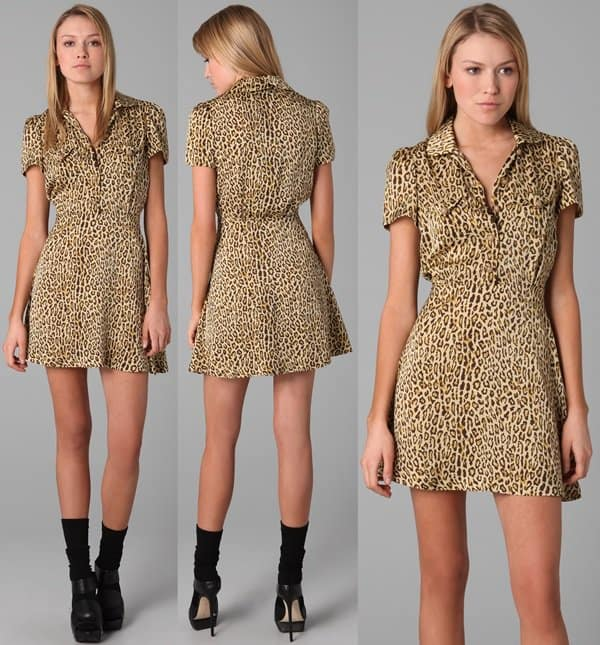 This leopard-print dress features a Peter Pan collar and a 5-button closure