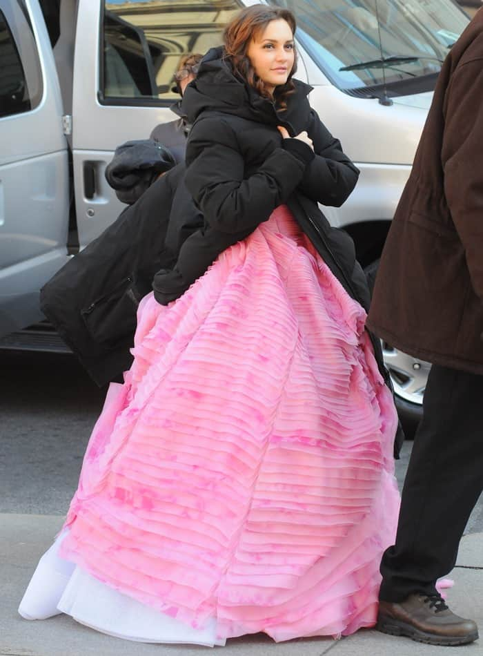 Gossip Girl Leighton Meester Kisses Penn Badgley In Oscar