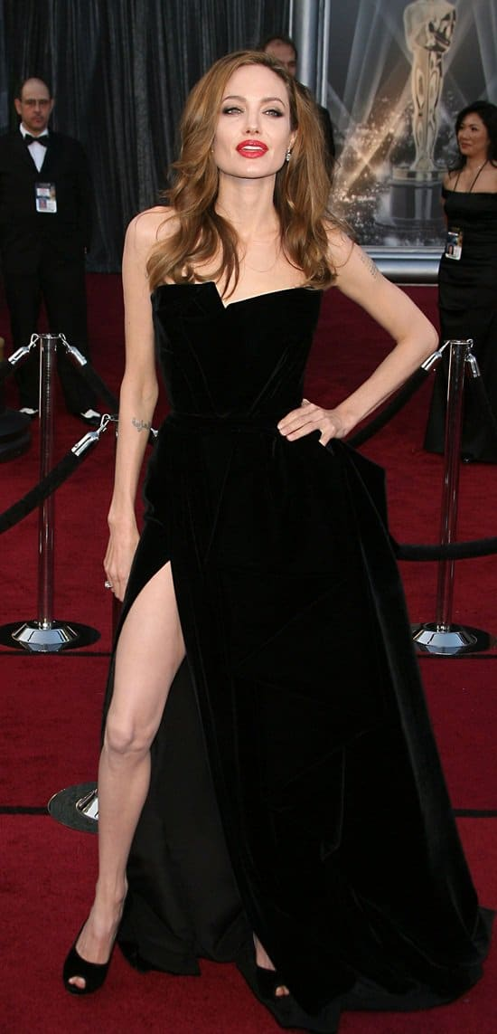 Angelina Jolie in Atelier Versace at the 2012 Oscar Awards