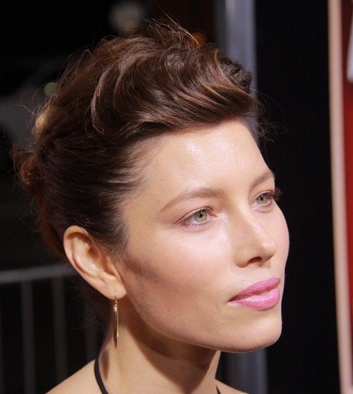 Jessica Biel showing off her Jennifer Meyer earrings