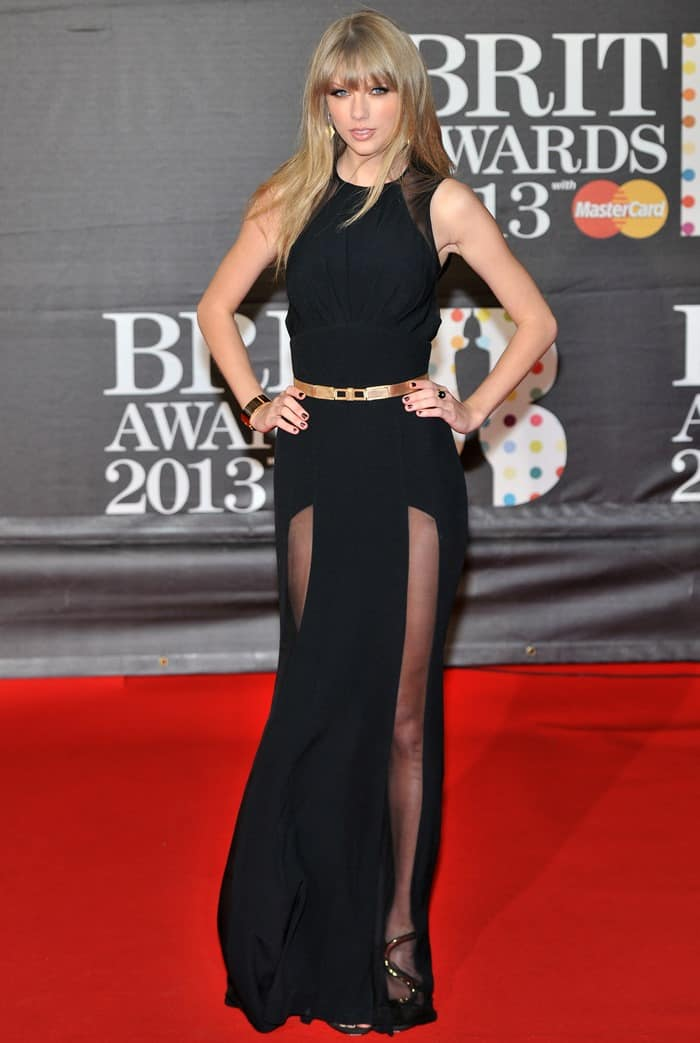 Taylor Swift glams up the red carpet at the 2013 BRIT Awards