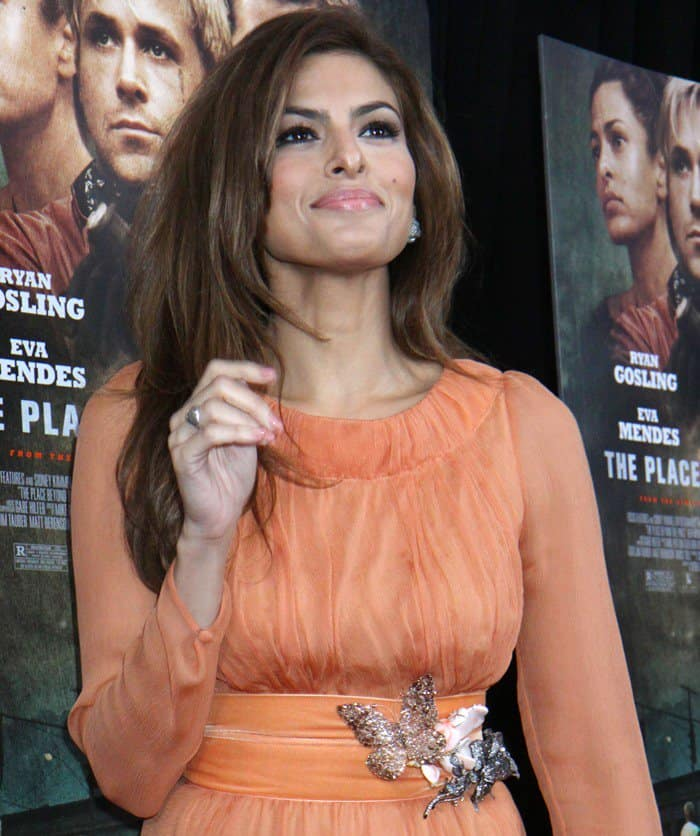 A closer look at Eva Mendes' coral Prada gown and its butterfly encrusted belt