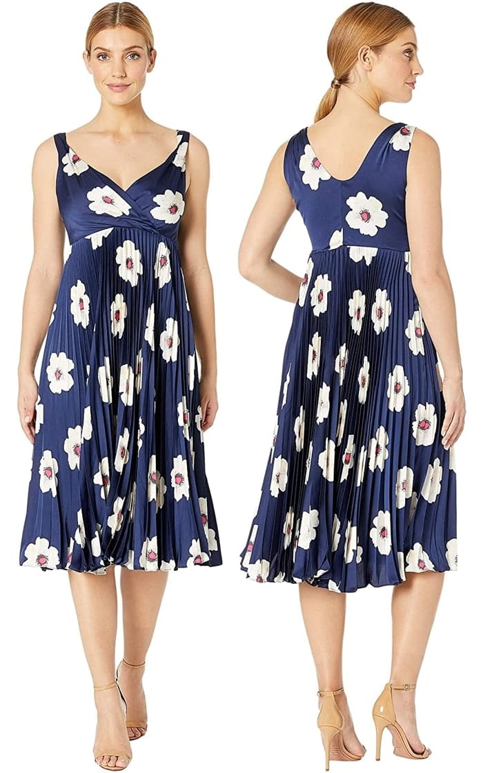 This sleeveless dress in a flattering fit-and-flare silhouette is a stylish option for your upcoming event