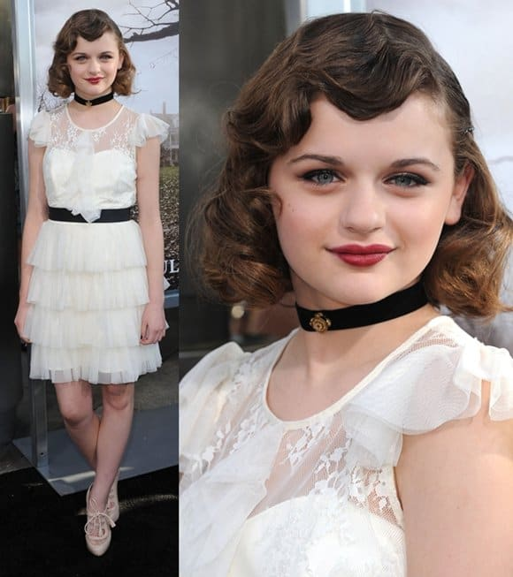 Joey King looked too mature for her age because of her Victorian-inspired ensemble