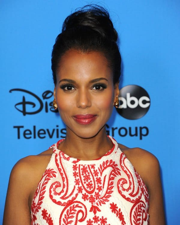 Kerry Washington's dress features a textured paisley pattern