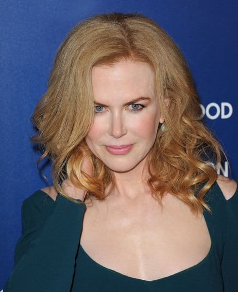 Nicole Kidman decided not to style her dress with a necklace
