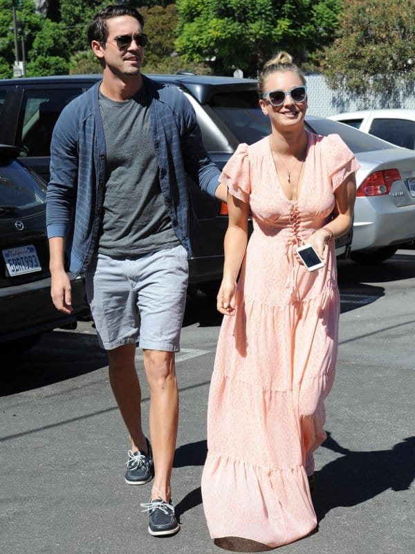 Newly engaged couple Kaley Cuoco and Ryan Sweeting out for lunch