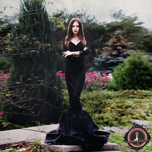 Alyona Gromovaya dresses as Morticia Addams