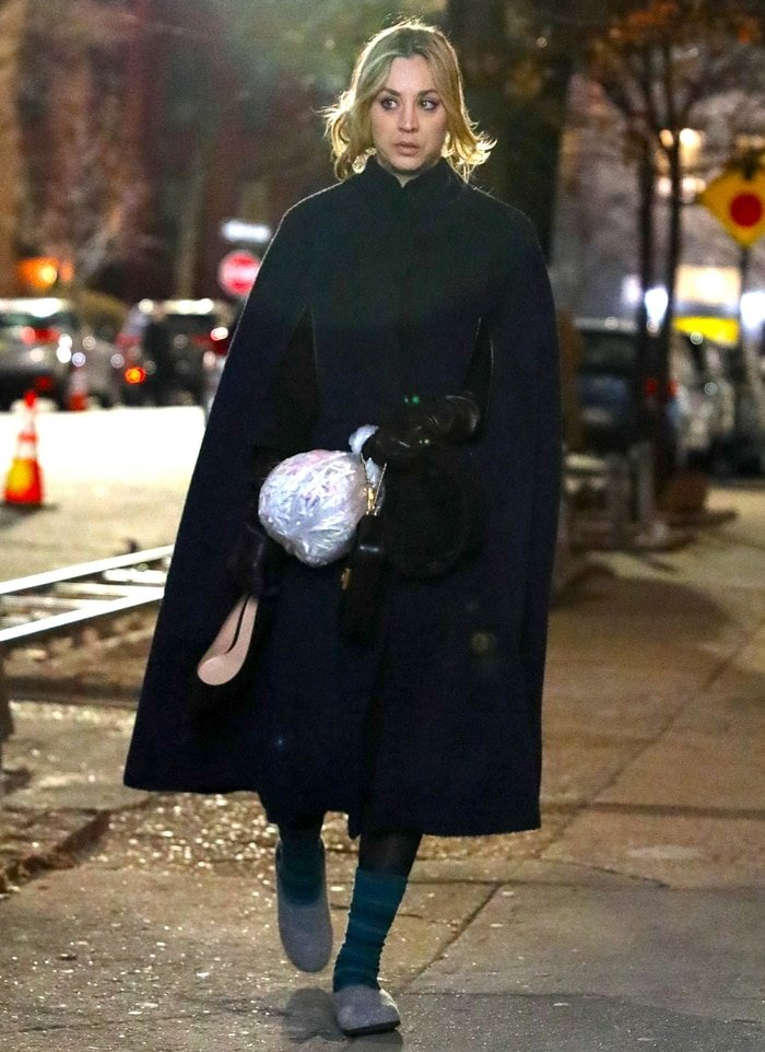 Kaley Cuoco films scenes for her American web television miniseries The Flight Attendant in New York City