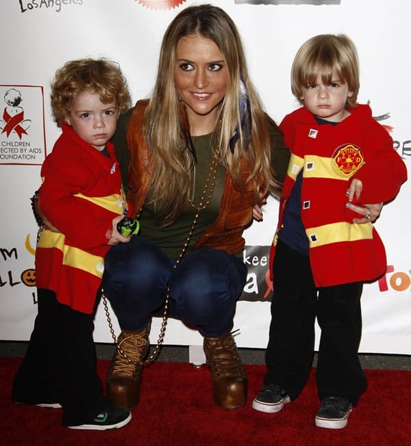Brooke Mueller with her sons Bob and Max at the 18th Annual Dream Halloween to benefit the children affected by Aids Foundation