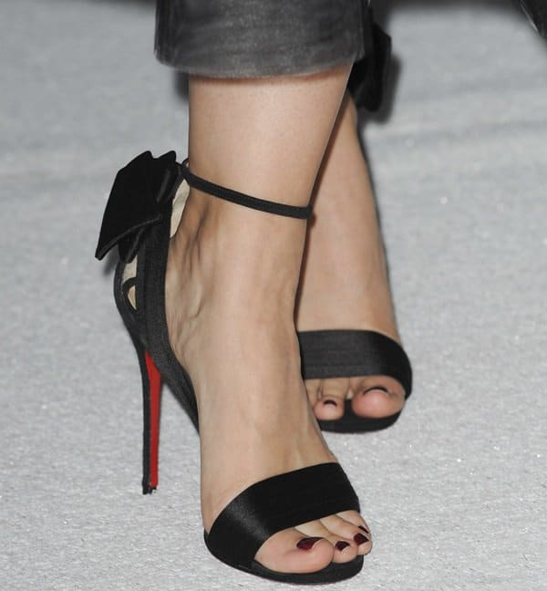 Kristen Bell's sexy feet in Christian Louboutin high heels