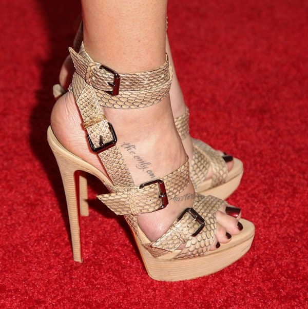 LeAnn Rimes showing off her feet in sky-high sandals