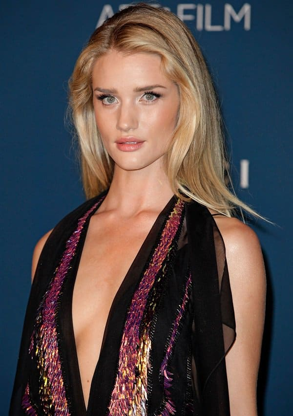 Rosie Huntington-Whiteley's completely backless dress flaunted her incredible physique