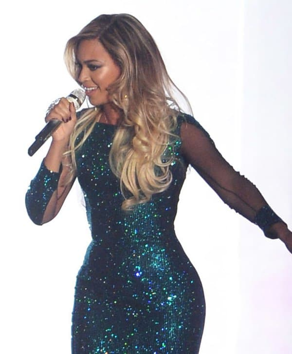 Leave it to Queen Bey to take sparkly dresses to a whole new level