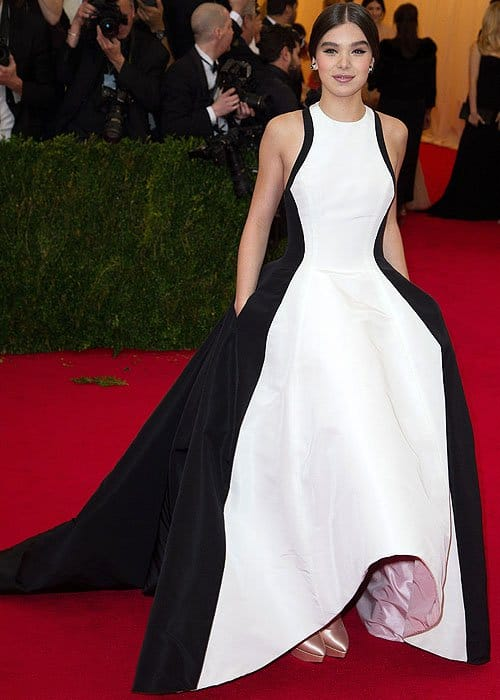 Hailee Steinfeld attends the 'Charles James: Beyond Fashion' Costume Institute Gala held at the Metropolitan Museum of Art on May 5, 2014 in New York Cit