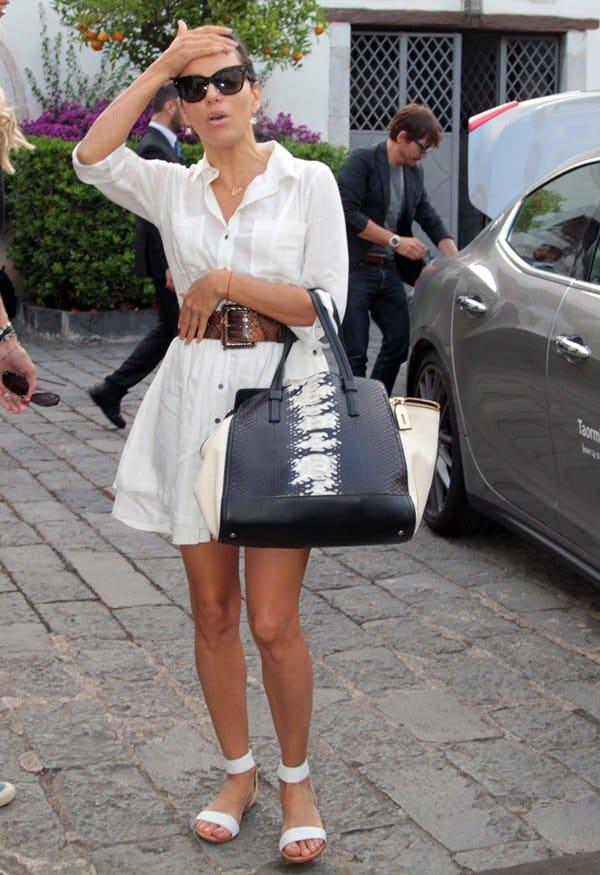 Eva Longoria carried a gorgeous Salvatore Ferragamo 'Verve' python tote