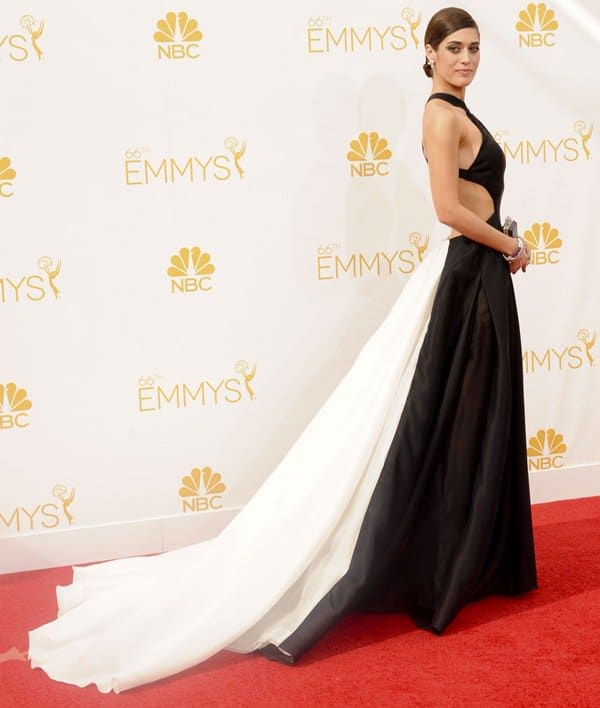 Emmys Lizzy Caplan3