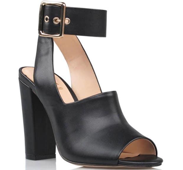 Kardashian Kollection Naomi sandals