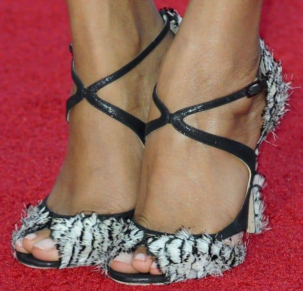 "Zoe Saldana's sexy feet in Jimmy Choo's ""Kamelia"" feather-accented sandals"