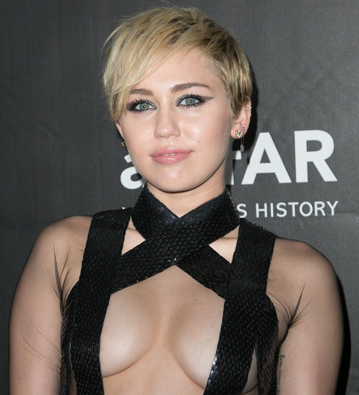 miley-cyrus-shows-boobs-lingerie