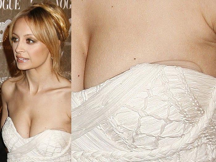 Nicole Richie bra pads