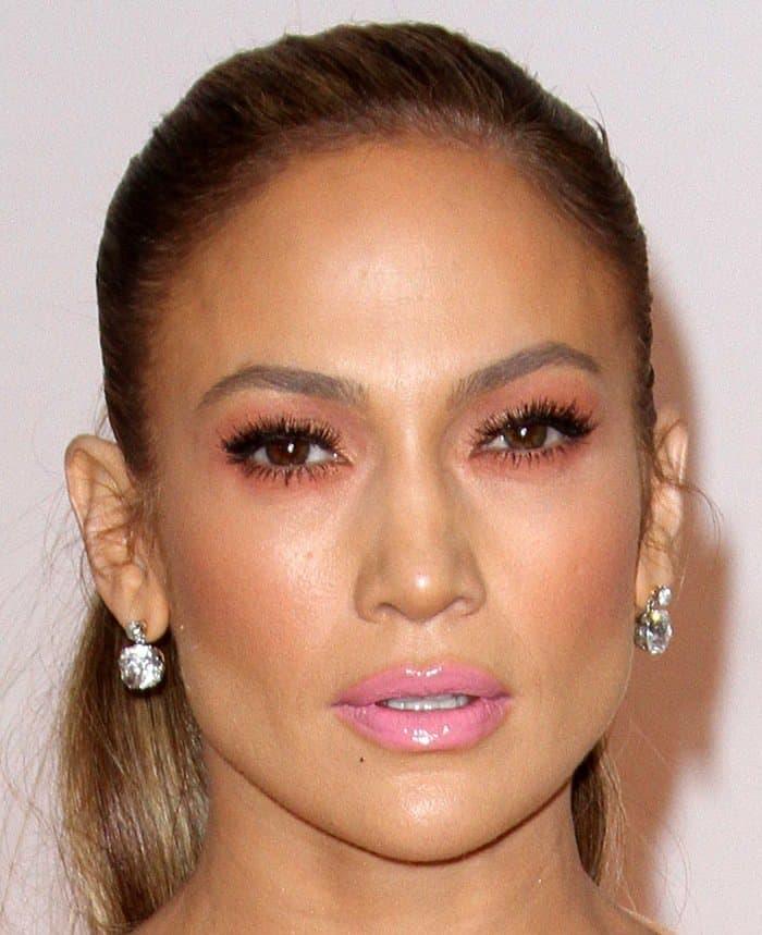 Jennifer Lopez's Neil Lane diamond drop earrings