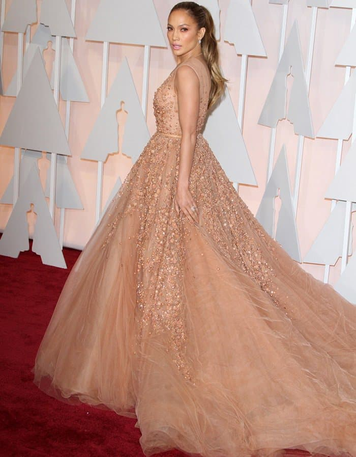 Jennifer Lopez at the 2015 Academy Awards held at the Dolby Theatre