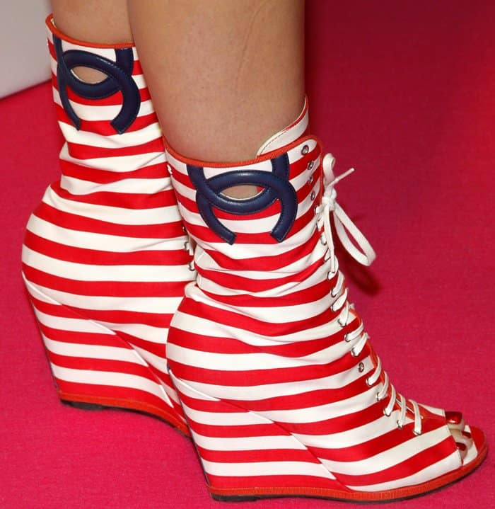 Katy Perry shows off her candy-striped boots