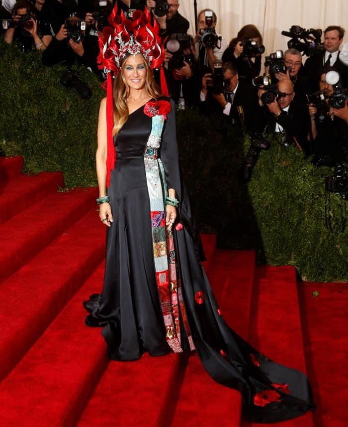 Actress Sarah Jessica Parker attends the 2015 Costume Institute Gala Benefit celebrating the exhibition China: Through the Looking Glass at The Metropolitan Museum of Art  in New York, USA, on 04 May 2015. Photo: Ian Wilson Featuring: Sarah Jessica Parker Where: New York, New York, United States When: 04 May 2015 Credit: WENN.com **Not available for publication in Germany**