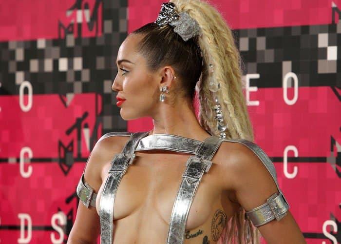 Miley Cyrus Worst Dressed 2015 2
