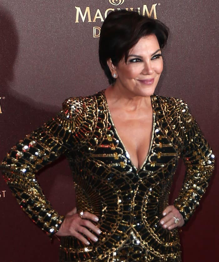 Kris Jenner finished the look with her signature smoky eye makeup