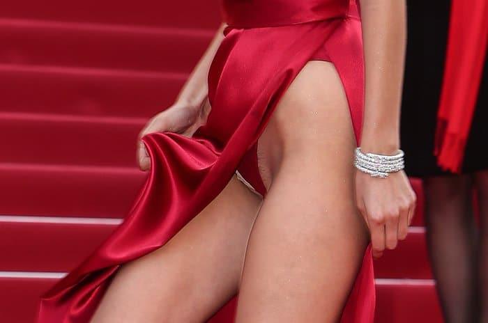 Bella Hadid Alexandre Vauthier Dress6