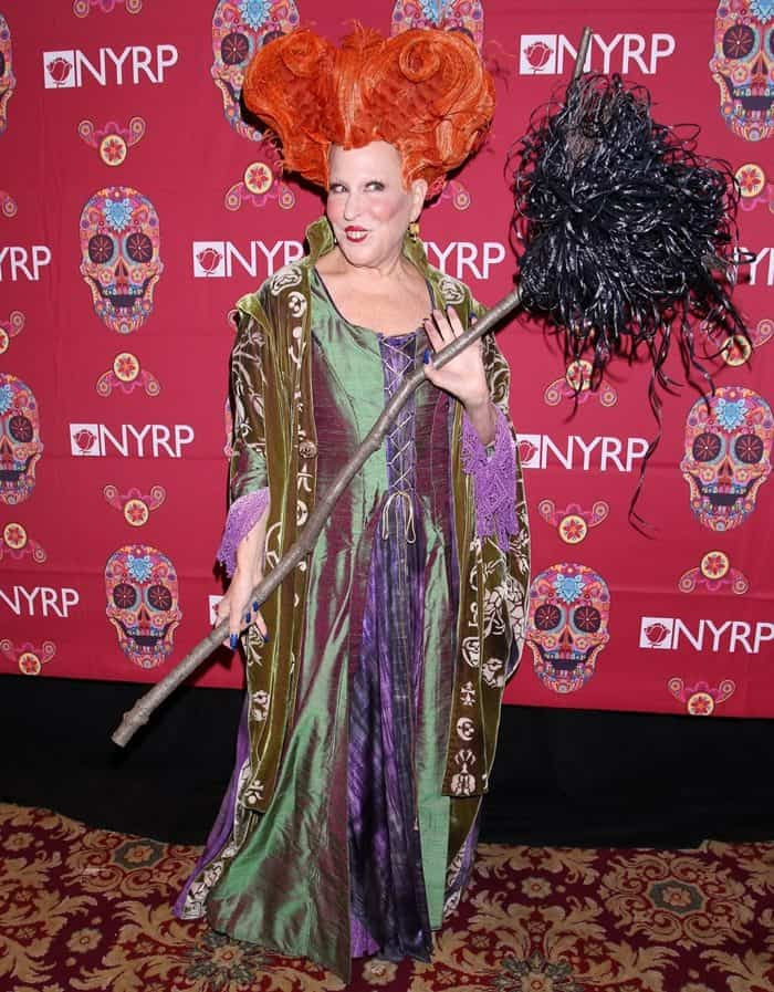 """The amazing Bette Midler gave everyone a bit of nostalgia as she brought back iconic character Winifred Sanderson in """"Hocus Pocus"""""""