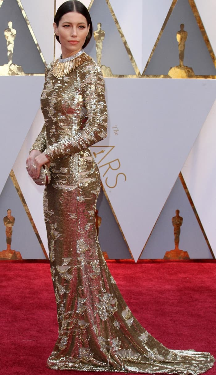 Jessica Biel wearing a gold and silver Kaufmanfranco gown at the 2017 Oscars