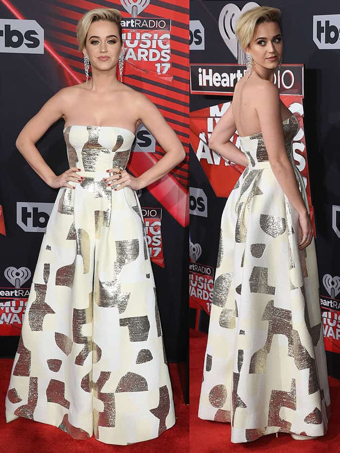 Katy Perryrevealed that the full skirt was actually a pair of wide legs when she started walking