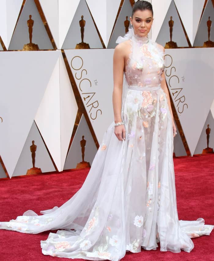 Hailee Steinfeld wearing a Ralph & Russo floral gown at the 2017 Oscars