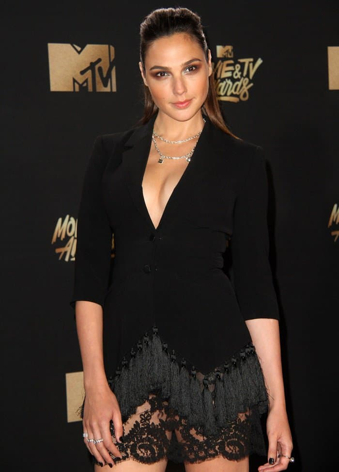 Gal Gadot Disappoints In Cinq A Sept Tuxedo Dress At Mtv