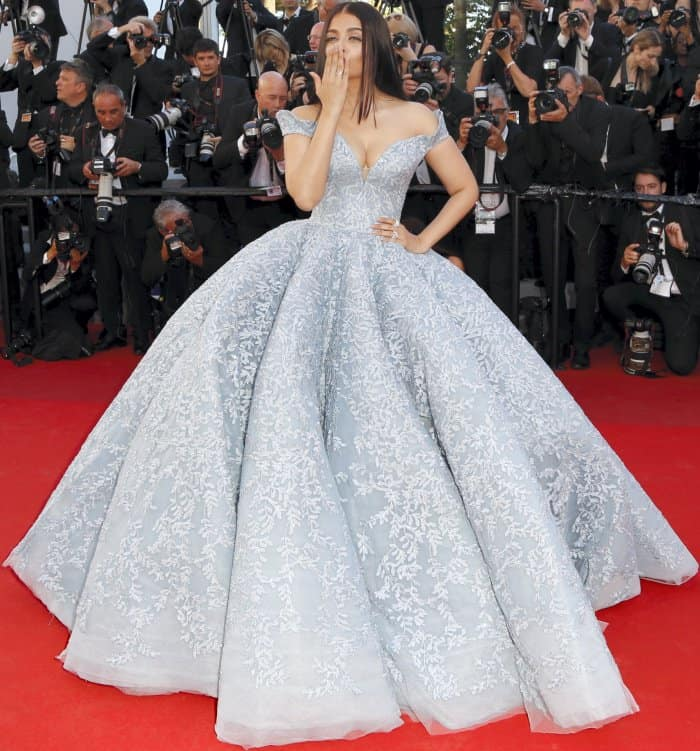"""Aishwarya Rai Bachchan wearing a Michael Cinco fall 2017 couture gown at the 70th Cannes Film Festival """"Okja"""" premiere"""