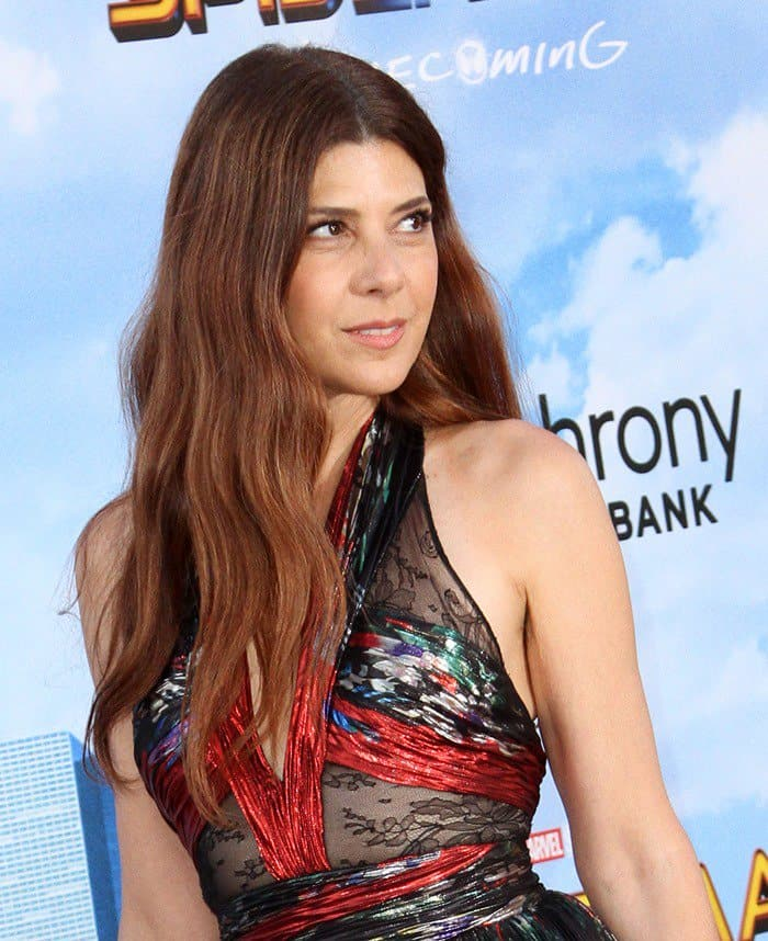 Marisa Tomei looked fresh with minimal makeup for the premiere of her new movie.