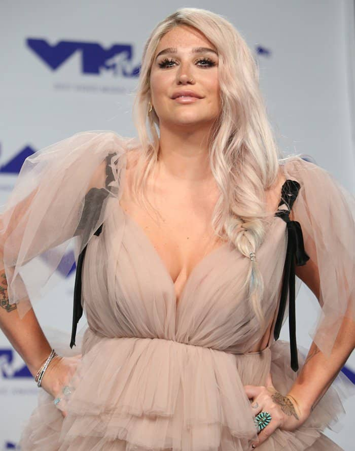 Kesha wearing a nude gown at the 2017 MTV Video Music Awards.