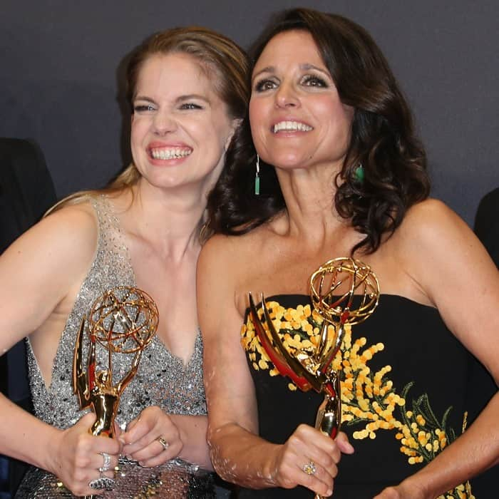 Julia Louis-Dreyfus posing on the red carpet with her co-star Anna Chlumsky