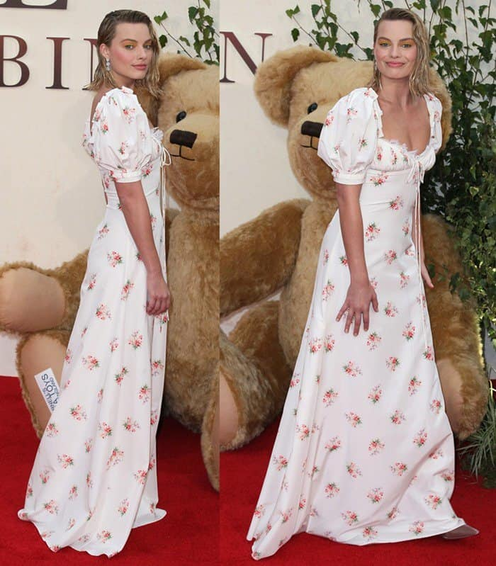 Margot also posed with a giant-sized teddy bear on the red carpet