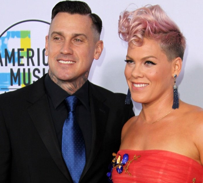 Carey Hart and Pink at the 2017 American Music Awards