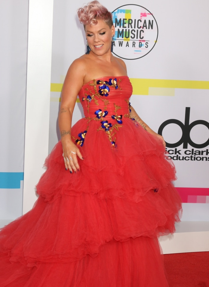 Pink wearing a Monique Lhuillier Fall 2016 gown at the 2017 American Music Awards