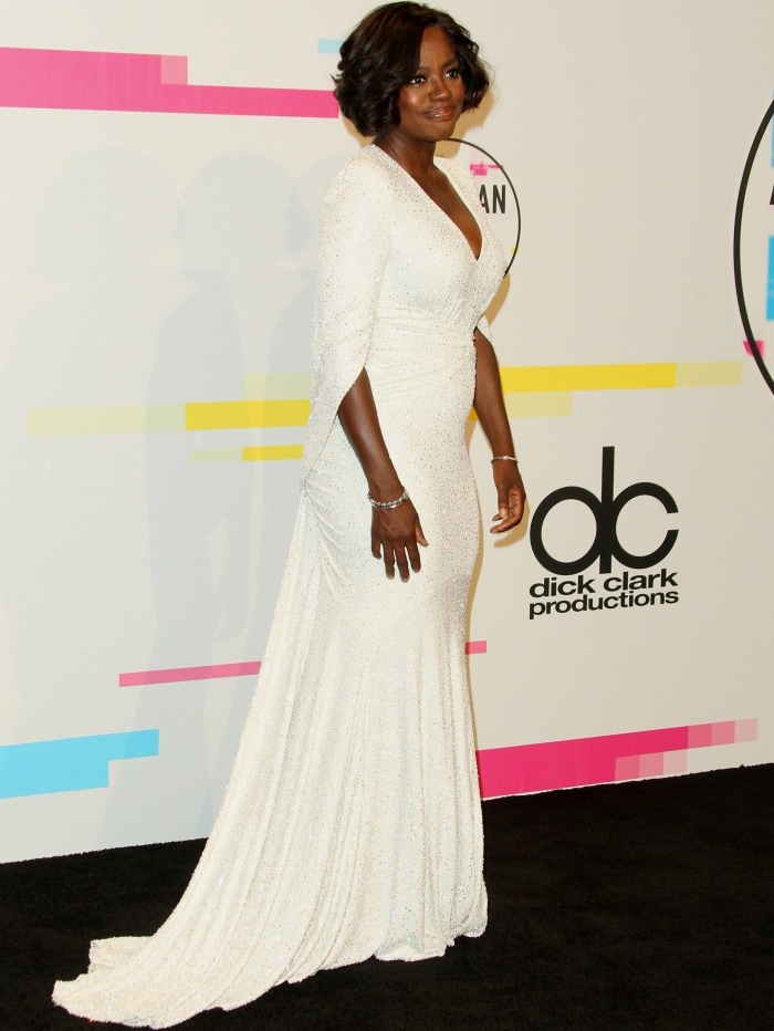 Viola Davis wearing a white Michael Kors Collection gown at the 2017 American Music Awards