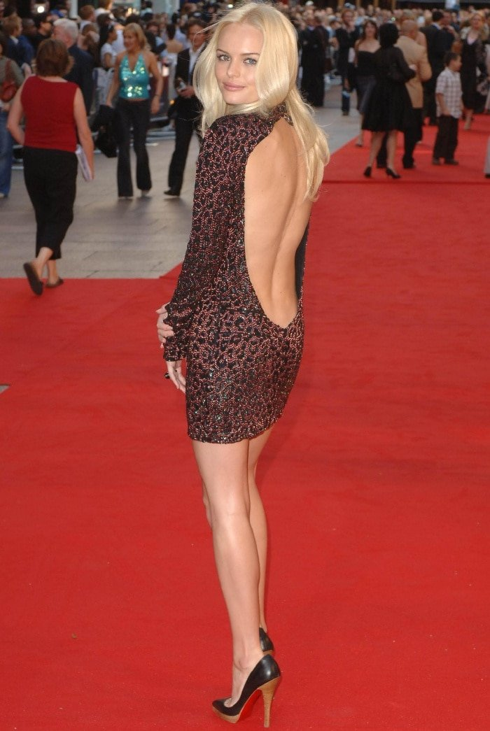 "Kate Bosworth wearing a Gucci Fall 2006 dress and Christian Louboutin pointy-toe pumps at the ""Superman Returns"" UK premiere"