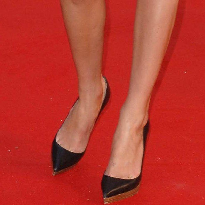 "Kate Bosworth wearing Christian Louboutin pointy-toe pumps at the ""Superman Returns"" UK premiere"