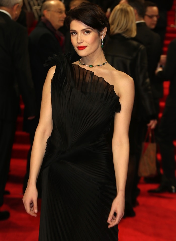 Gemma Arterton wearing emerald stone Ara Vartanian jewelry